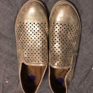 Gold comfort sole shoe